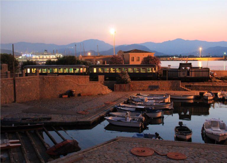 Arrivo-di-sera-alla-stazione-di-Arbatax